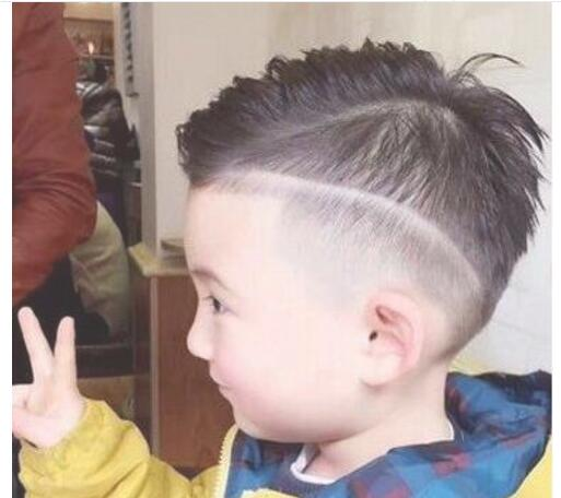 Nice hairstyle for boys with little hair